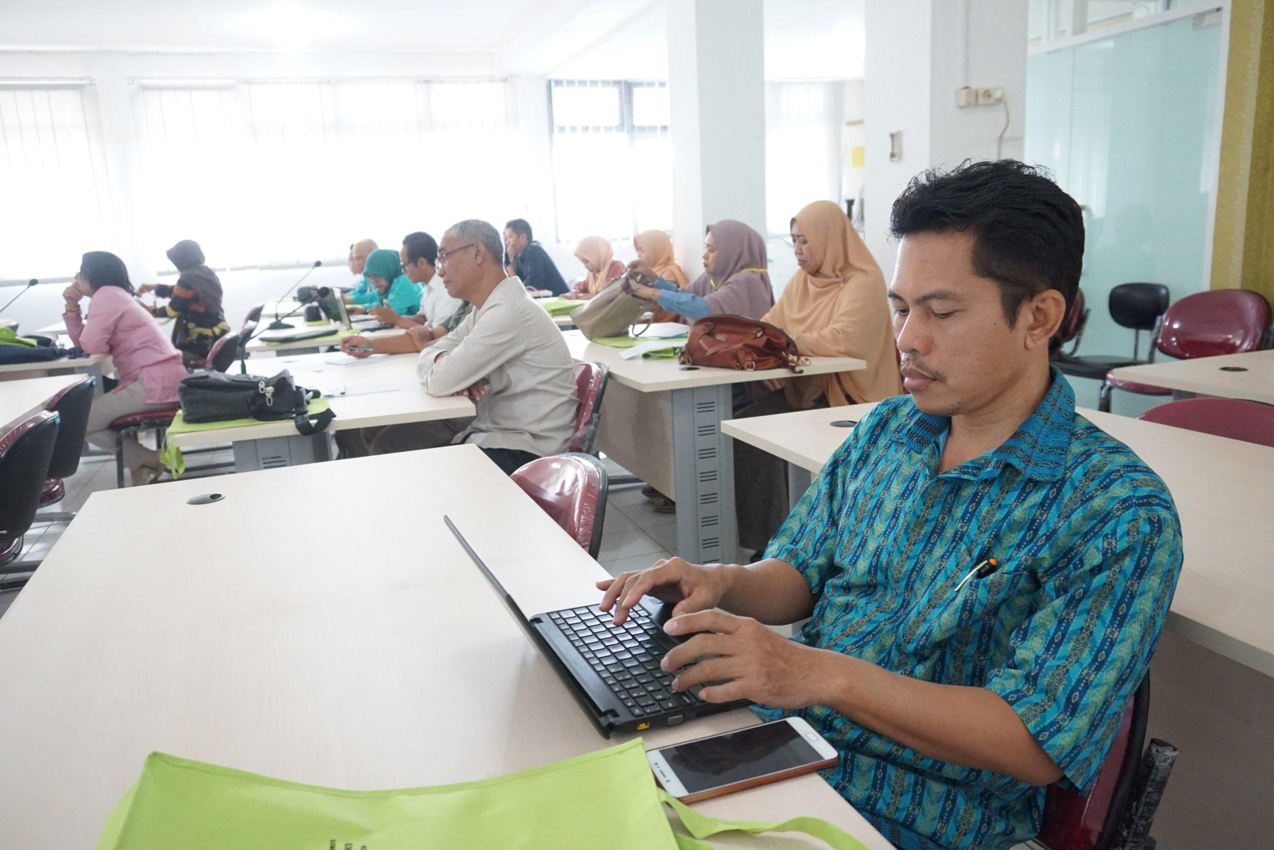 Pelaksanaan Workshop KKNI dan SNPT Pada Level Mata Kuliah dan Dosen